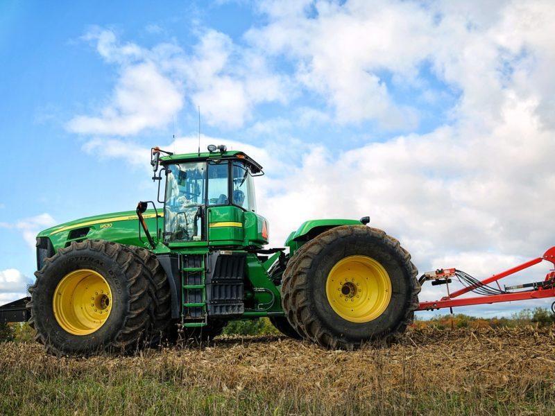 Czy warto kupować części do maszyn rolniczych w internecie?