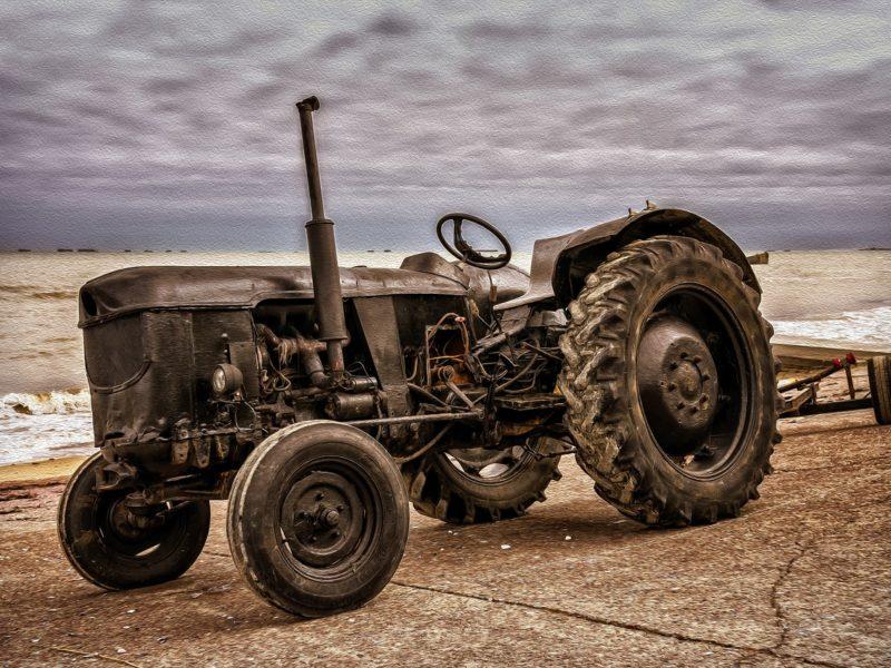 Jak sprawnie odrestaurować stary ciągnik rolniczy?